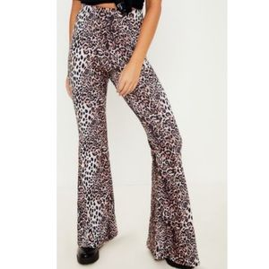 Pants - NWT Pretty Little Thing Leopard Jersey Pants